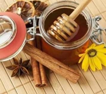 """Μέλι + Κανέλα ενα """"γλυκό"""" φαρμακείο"""